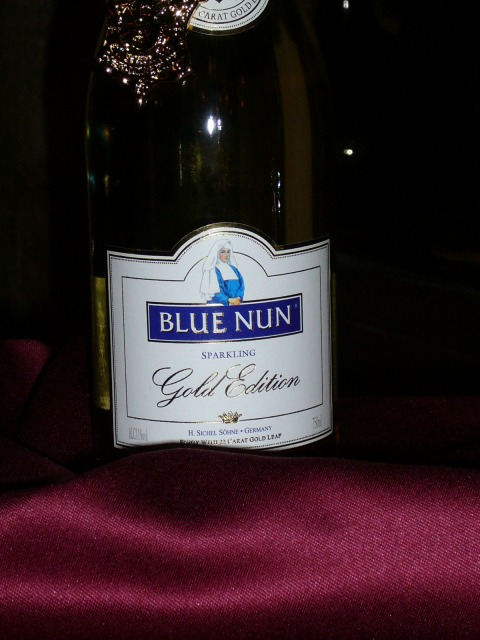 013.Blue Nun Gold Edition