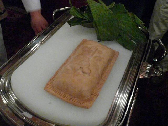 070.Kuroge Wagyu Fillet in a Salt Crust