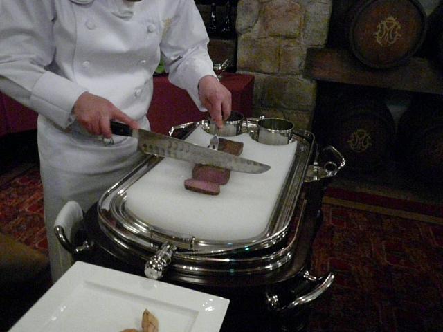 072.Kuroge Wagyu Fillet in a Salt Crust