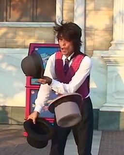 帽子ジャグリング