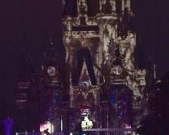 ボロボロになってしまったシンデレラ城