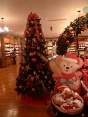 店内のクリスマスツリー