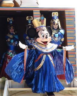女王なミニー