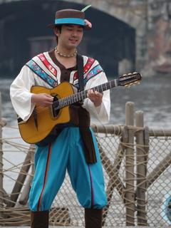 トリオ・メロディーア:ギター