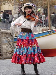 トリオ・メロディーア:ヴァイオリン