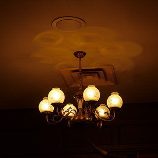 天井のランプ