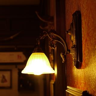 壁のランプ