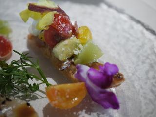 ブレザオラとトマトとアボカドのブルスケッタ