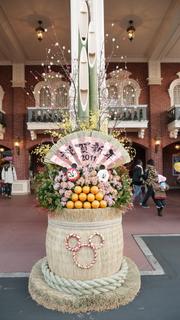 東京ディズニーランドの門松