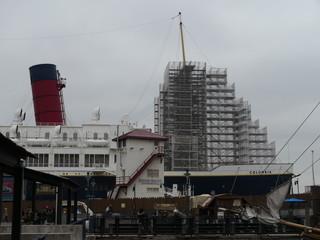 SSコロンビア号も工事中