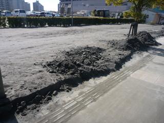 ケイヨーD2前の歩道