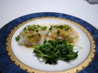 白身魚のレンズ豆入り葱生姜蒸し 豆苗添え