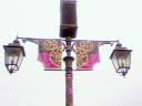街燈の飾りつけ
