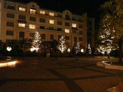 アンバサダーホテル中庭