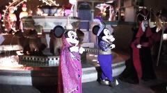 踊るミッキー、ミニー、ジャファーさま