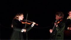 バイオリン2人